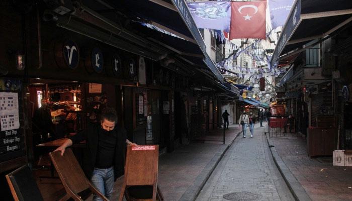 ترکی میں دو ہفتے کی کورونا پابندیاں لگا دی گئیں