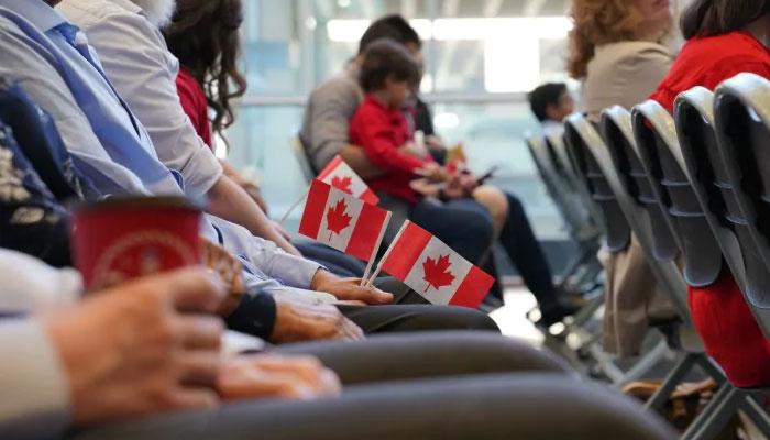 کینیڈا : 90 ہزار غیرملکی طلبہ، ورکرز کو مستقل رہائش دینے کااعلان