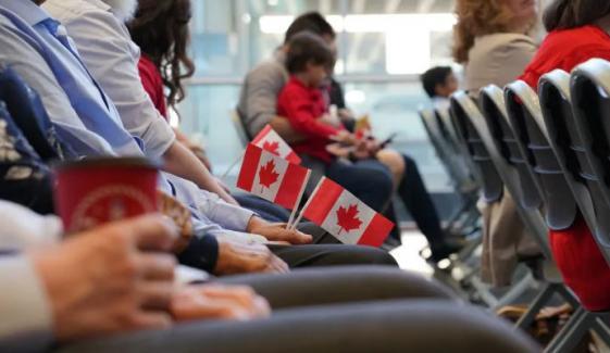 کینیڈا : 90 ہزار غیرملکی طلبہ، ورکرز کو مستقل رہائش دینے کا اعلان