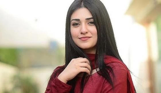 سارہ خان کی طبیعت ناساز، اسپتال میں داخل