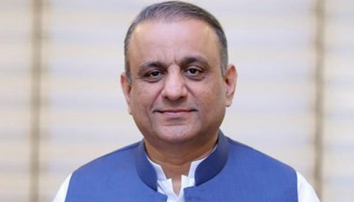 پیٹرولیم مصنوعات میں مسلسل دوسری بار کمی جارہی ہے، علیم خان