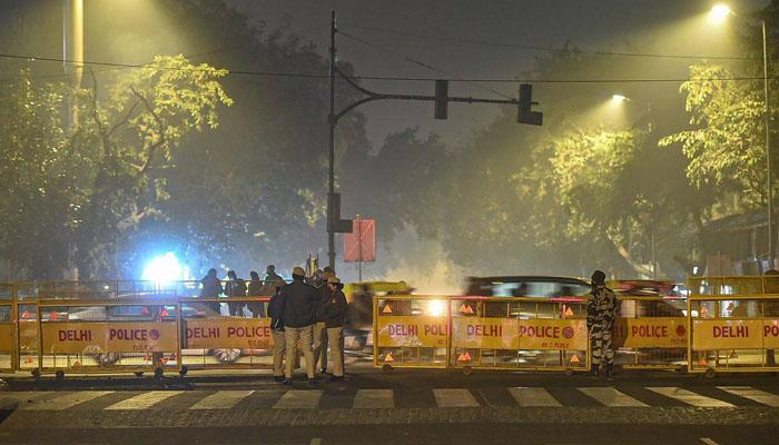 نئی دلی: رات کے کرفیو کی خلاف ورزی پر 2 ہزار 484 افراد گرفتار