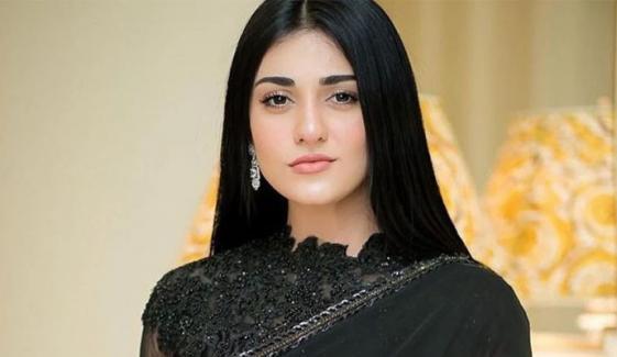 سارہ خان اسپتال سے ڈسچارج ہوگئیں