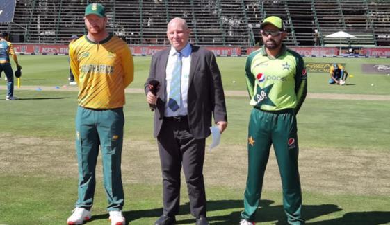 چوتھا ٹی20: پاکستان کی ٹاس جیت کر فیلڈنگ