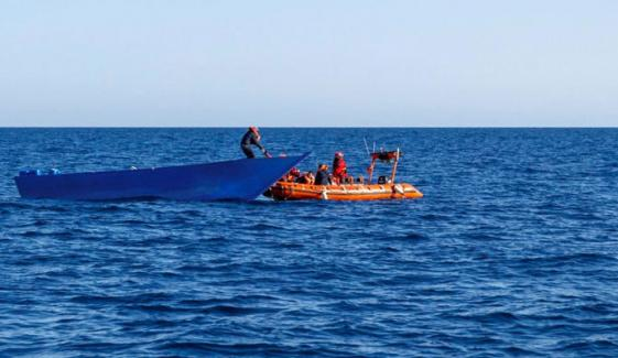 تیونس کی سمندری حدود میں تارکین وطن کی کشتی ڈوبنے سے 21 افراد ہلاک