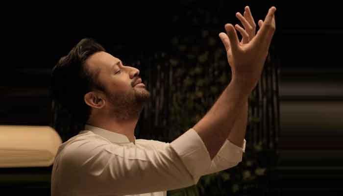عاطف اسلم کے 'سلامِ عاجزانہ' کو ایک دن میں 17 لاکھ سے زائد مرتبہ دیکھا جاچکا