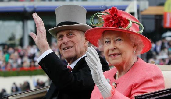 ملکہ تخت سے دستبردار نہیں ہوں گی