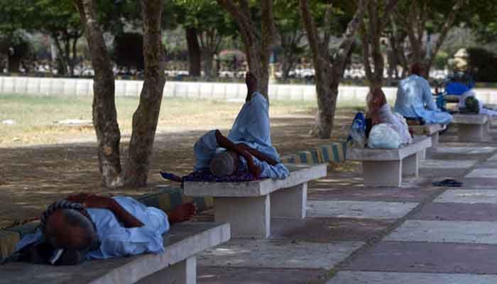 کراچی، موسم گرم، مرطوب رہنے کا امکان