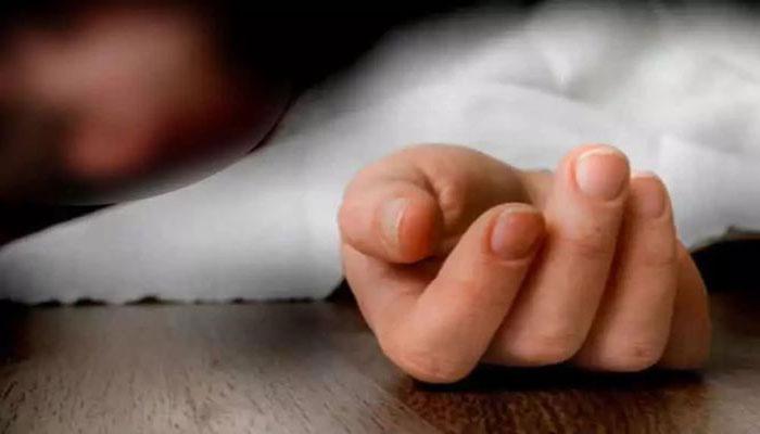 مظفر گڑھ: پیرنی کے دیوار پر پٹخنے سے 3 سالہ بچی جاں بحق