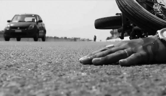 کراچی: لانڈھی میں بس کی ٹکر، بائیک سوار جاں بحق