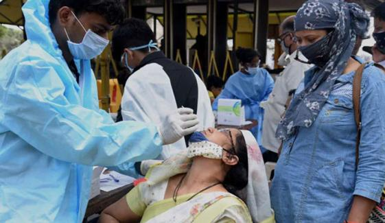 بھارت میں مسلسل دوسرے روز ڈھائی لاکھ سے زیادہ کورونا کیسز رپورٹ