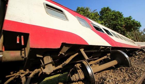 مصر میں ٹرین حادثہ، 8 افراد جاں بحق