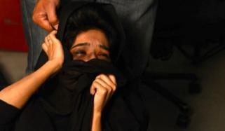 رحیم یارخان: جعلی عامل کا خاتون پر بدترین تشدد، بازو توڑ دیا