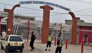 خیبر ٹیچنگ اسپتال کے تمام بیڈز مریضوں سے بھر گئے