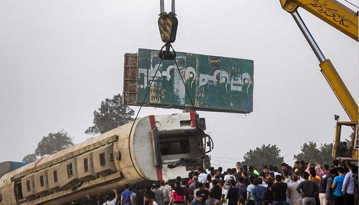 مصر، ٹرین حادثے میں ہلاکتیں 16 ہو گئیں