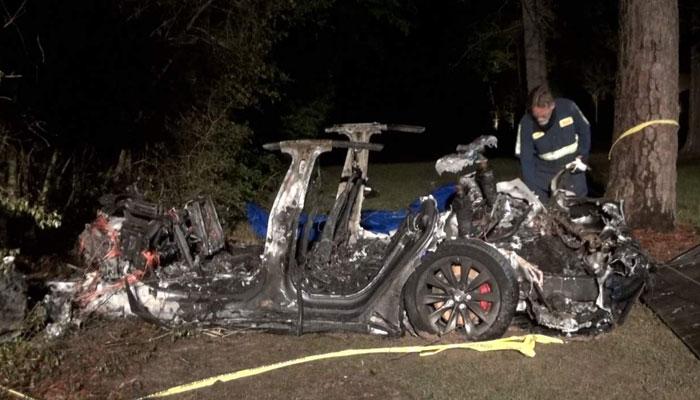 ٹیسلا کی ڈرائیور لیس کار کا حادثہ،2 سوار ہلاک