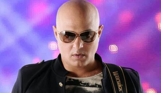 گلوکار علی عظمت کا بھی کورونا وائرس ٹیسٹ مثبت آگیا