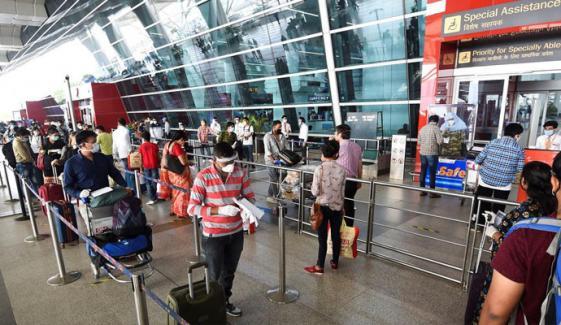 بھارت سے ہانگ کانگ کی پرواز کے 49 مسافروں کا کورونا پوزیٹیو نکل آیا