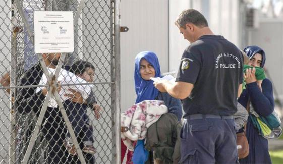 جنگ زدہ ملکوں کے شہریوں کے ساتھ پاکستانی بھی یورپ میں سیاسی پناہ کے متلاشی