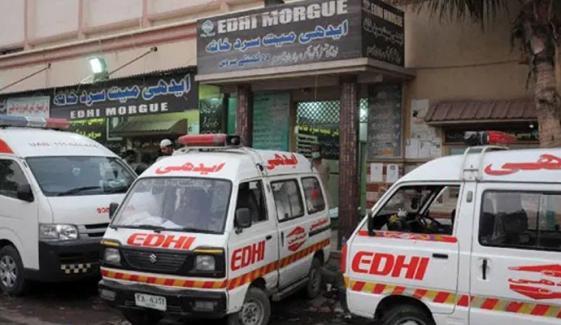 کراچی:موٹرسائیکل سوار 3 افراد کنوئیں میں گرگئے، 1 جاں بحق
