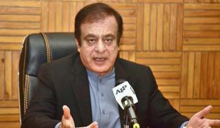 شبلی فراز کا وزارت کے غیرضروری اخراجات ختم کرنے کا اعلان