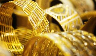 ملک میں ایک تولہ سونے کی قیمت میں 400 روپے کا اضافہ ہوگیا