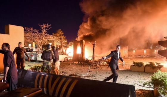 'دھماکا خودکش تھا، حملہ آور گاڑی میں موجود تھا'