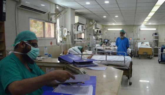 لاہور کے 3 اسپتالوں کے آئی سی یو وارڈذ بھر گئے