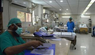 لاہور کے 3 اسپتالوں کے آئی سی یو وارڈذ بھر گئے، محکمہ صحت
