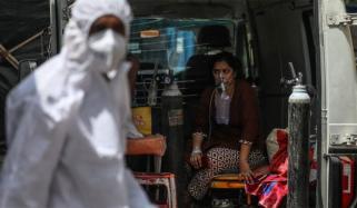 بھارت میں کورونا کی دوسری لہر، نظام صحت ناکام، مریضوں کے لیے جگہ کی کمی