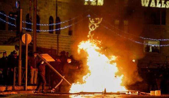 مقبوضہ بیت المقدس میں جھڑپیں، 100 فلسطینی زخمی