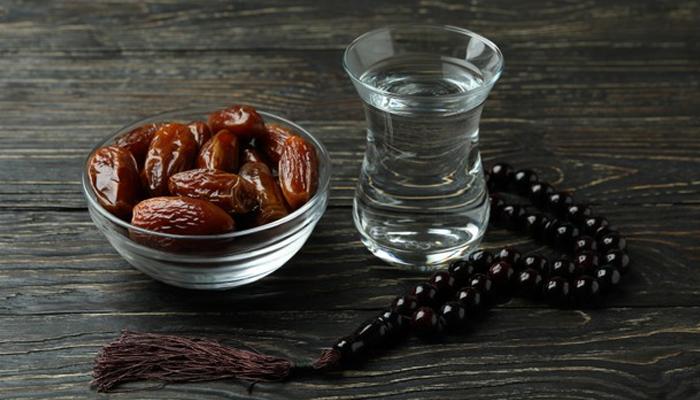 نیم گرم پانی سے روزہ افطار کرنے کے حیرت انگیز فوائد