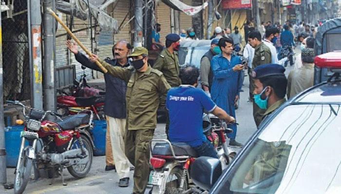 پنجاب، کورونا ایس او پیز کی خلاف ورزی پر متعدد دکانیں سیل