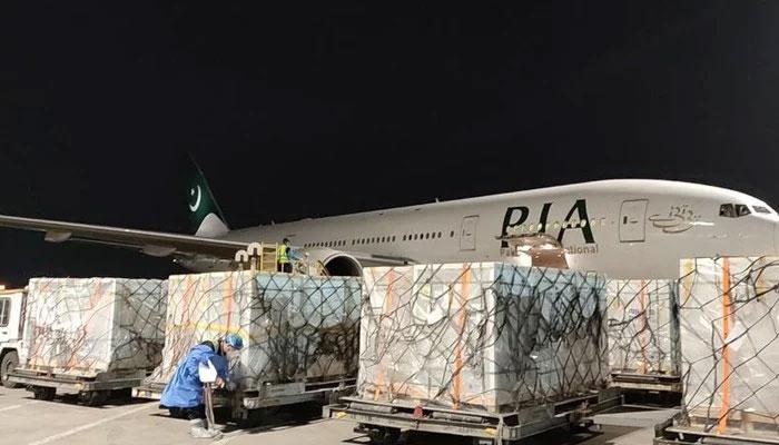 کورونا ویکسین کی مزید 10 لاکھ خوراکیں پاکستان پہنچ گئیں
