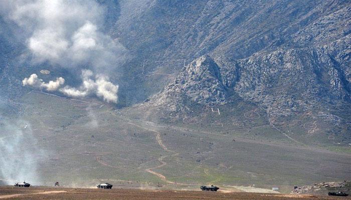 کرغزستان اور تاجکستان کے متنازعہ سرحدی علاقے میں چھڑپیں، 31 افراد ہلاک