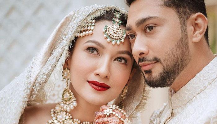 گوہر خان کی شوہر کیساتھ نماز ادا کرتے ویڈیو وائرل