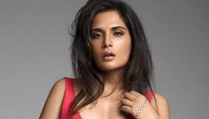 اداکارہ ریچا چڈھا نے اسکرپٹ رائٹنگ شروع کردی
