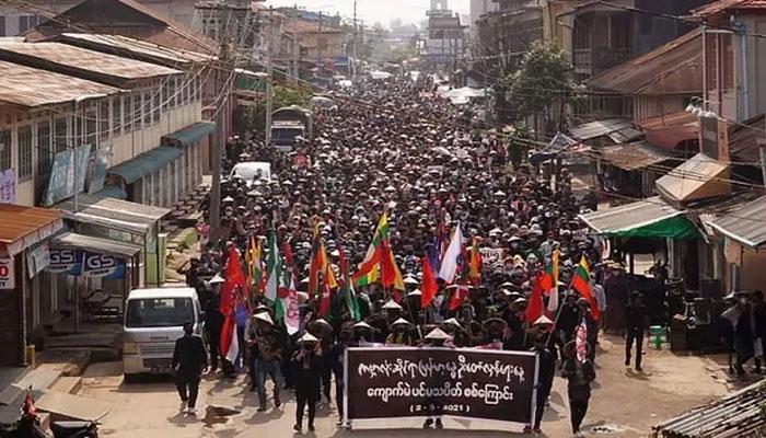 میانمار: فوجی بغاوت کےخلاف احتجاج کرنیوالوں پر سیکورٹی فورسز کی فائرنگ، آٹھ افراد ہلاک