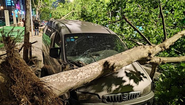 چین میں طوفانی بگولوں نے تباہی مچا دی، 11 افراد ہلاک