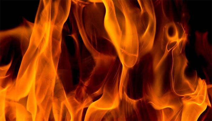 مظفر گڑھ :شوہر اور سسرالیوں نے مبینہ طور پر خاتون پر پٹرول چھڑک کر آگ لگادی