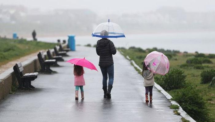 برطانیہ کے متعدد علاقوں میں تیز بارش، سیلاب کی وارننگ