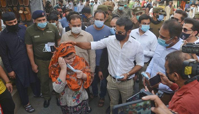 ماسک پہنیں، اپنے لیے اور اپنوں کے لیے، لاہور قلندرز