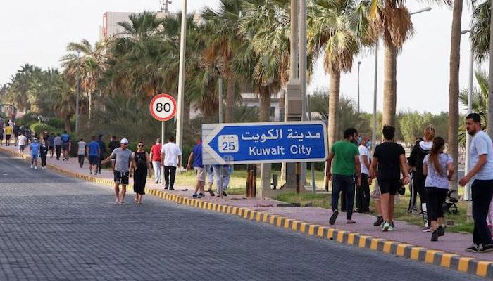 کویت: ویکسین نہ لگوانے والے شہریوں کو بیرون ملک سفر سے روک دیا