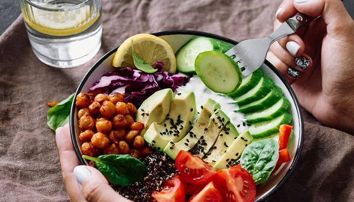 صحت مند زندگی کیلئے خوراک نہیں کیلوریز گھٹائیں