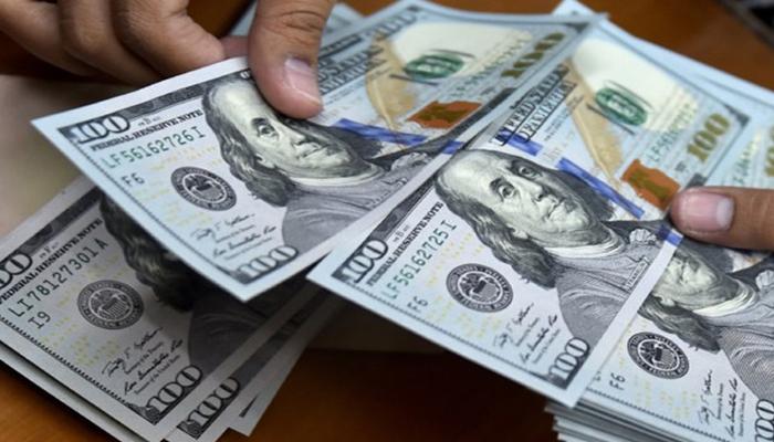 انٹربینک تبادلہ مارکیٹ میں ڈالر کی قدر میں 12 پیسے کمی