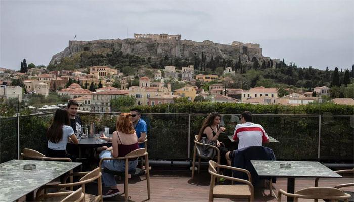 یونان میں لاک ڈائون پابندیوں میں نرمی، ہوٹل اور بار کھل گئے
