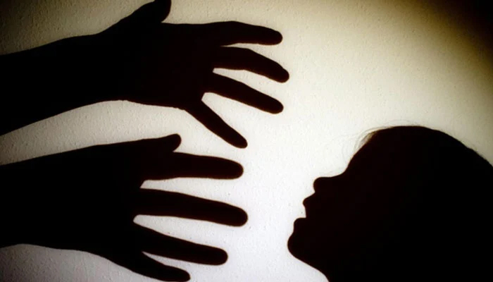 کراچی: عیسیٰ نگری میں 4 سالہ بچی سے مبینہ زیادتی