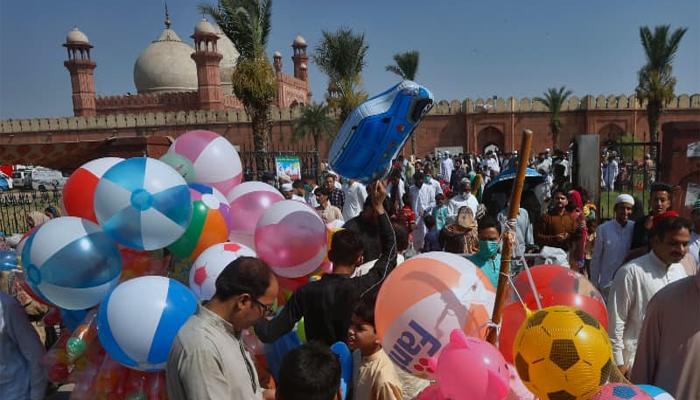 پنجاب میں عید پر10سے 15 مئی تک 6 تعطیلات کا اعلان