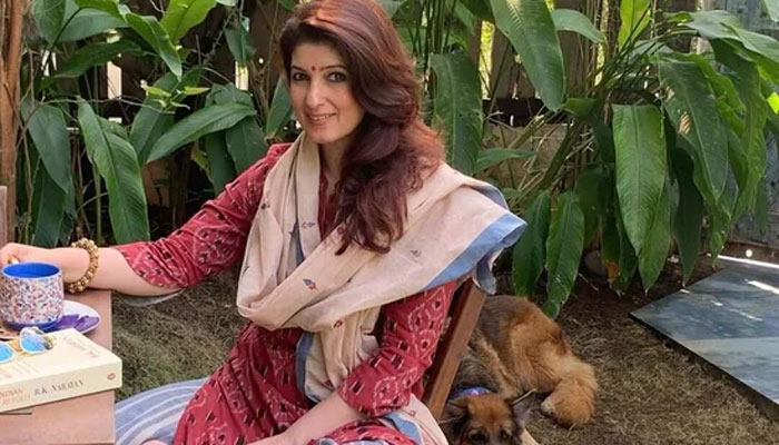 اداکارہ ٹوئنکل کھنہ نے آکسی جن خرید کر عطیہ کرنے کی اپیل کردی