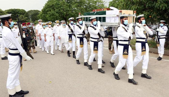 پاک بحریہ کے سابق سربراہ ایڈمرل کرامت رحمٰن نیازی اسلام آباد میں سپرد خاک